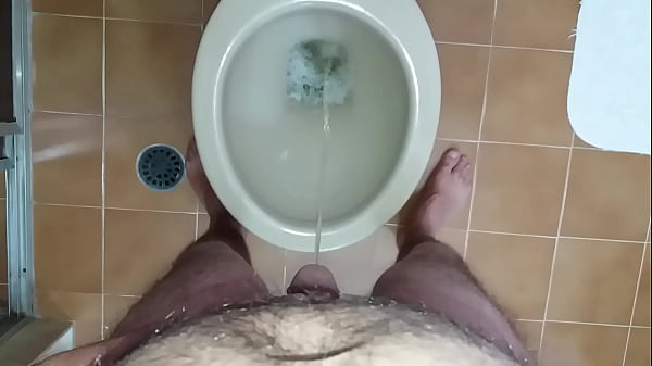 Standing, Pissing