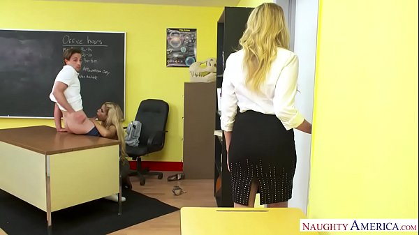 Anne, Teacher, Naughty america, Julia ann, Threesome, Fake