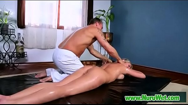 Nuru massage, Lexie