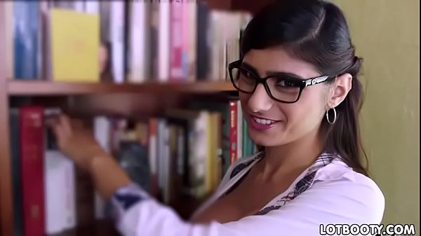 Mia khalifa, Fat ass