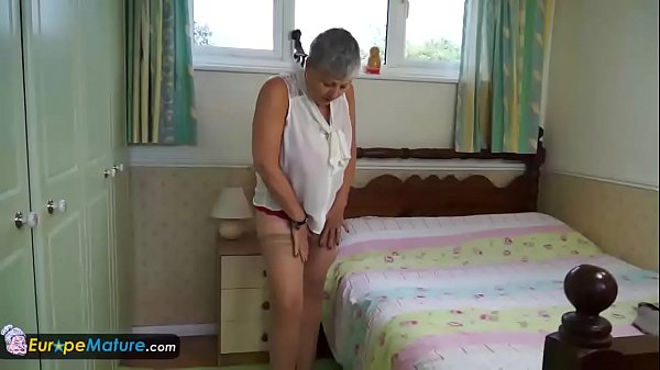 Mom, Granny masturbation, Old mom